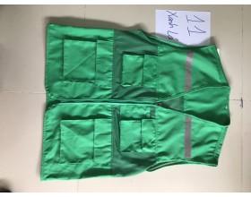 Áo gile màu xanh lá